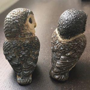 pot belly's Jewelry - Tiny owl 🦉 pair to key ring case secret VTG